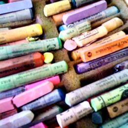 pastely vysypané